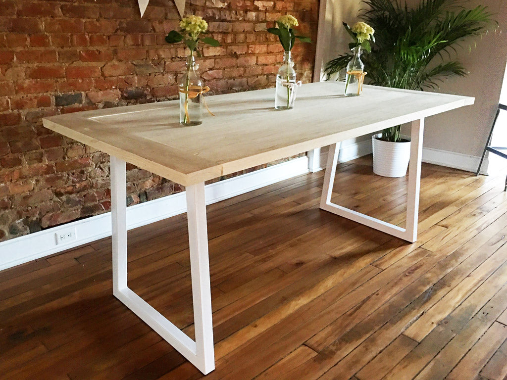 Metal table legs 'Summit' in white by Symmetry Hardware