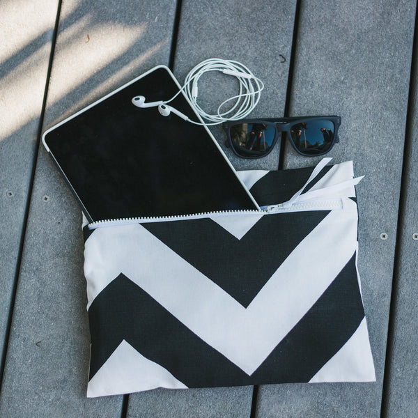 Wet swimsuit bag, wet bikini bag, wet bathing suit bag - Super cute with waterproof lining - Siren in Noir Wander Wet Bag ™