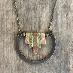Unakite Horse Shoe Necklace