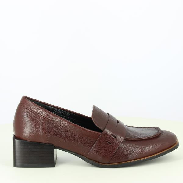 Yuko Imanishi 701061 BROWN
