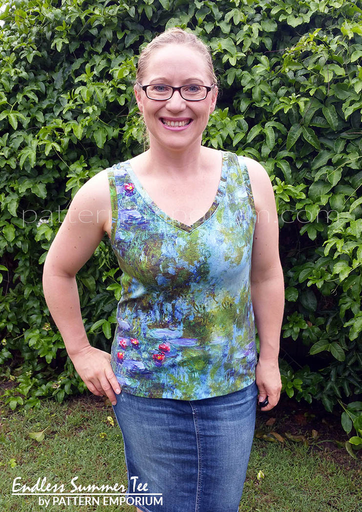 view our ladies v-neck tee sewing pattern