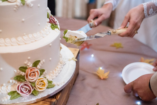 Wedding Cake Ideas & Tips - A Guide To Choosing Your Wedding Cake Charmerry