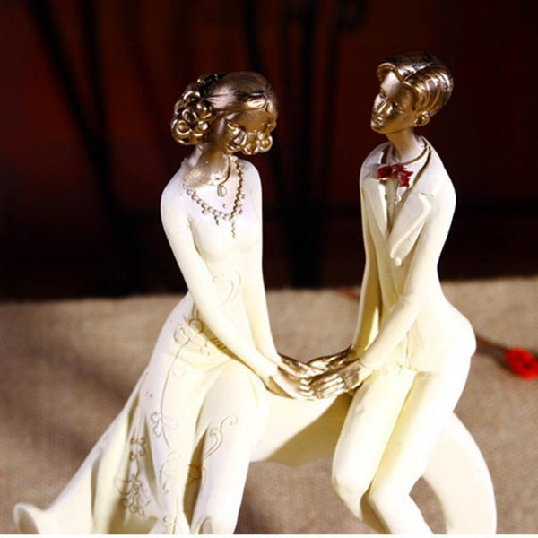 Anniversary Engagement Wedding Gift /Couple Figurine Figure Decoration