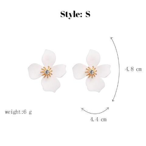 Chic Petals Floral Stud Earring