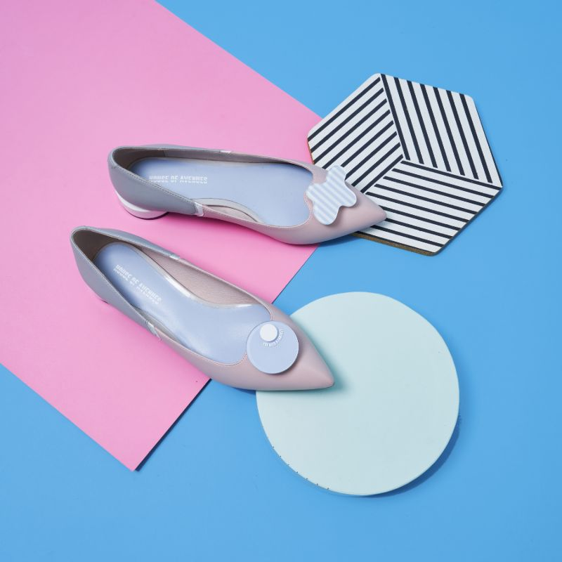 Everyone needs a fantasy Ladies' Color Block Flat Pumps 5450 Pink - House of Avenues - Designer Shoes | 香港 | 女鞋 House of Avenues