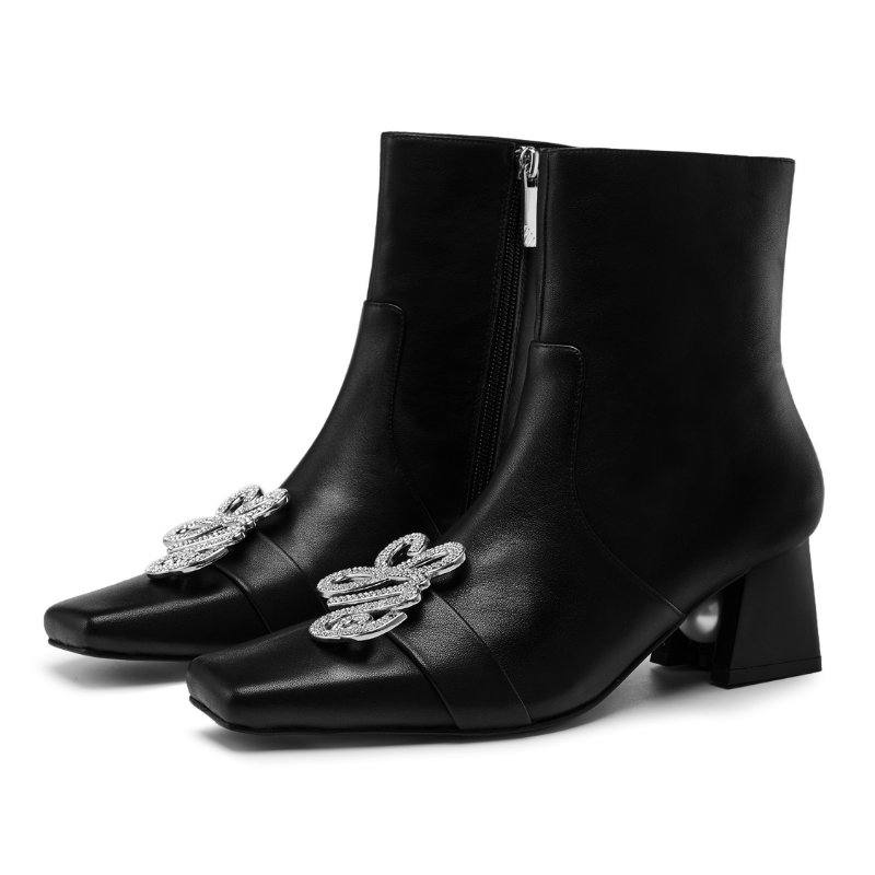 Ladies Square Toe with Metal Brooch Bootie 5553 Black - House of Avenues - Designer Shoes | 香港 | 女鞋 House of Avenues
