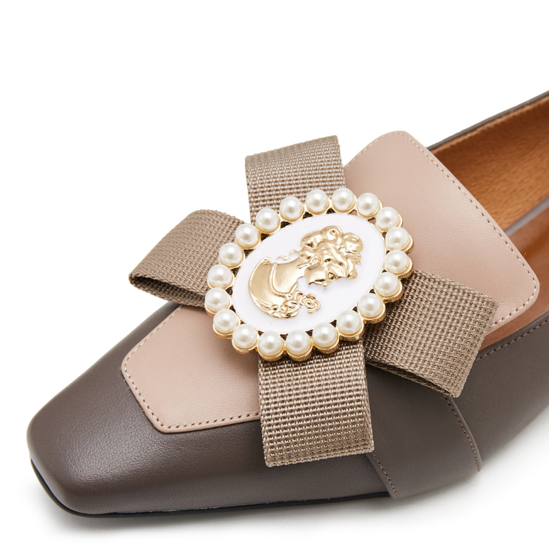 Ladies Ribbon Brooch Loafer 5576 Taupe - House of Avenues - Designer Shoes | 香港 | 女鞋 House of Avenues