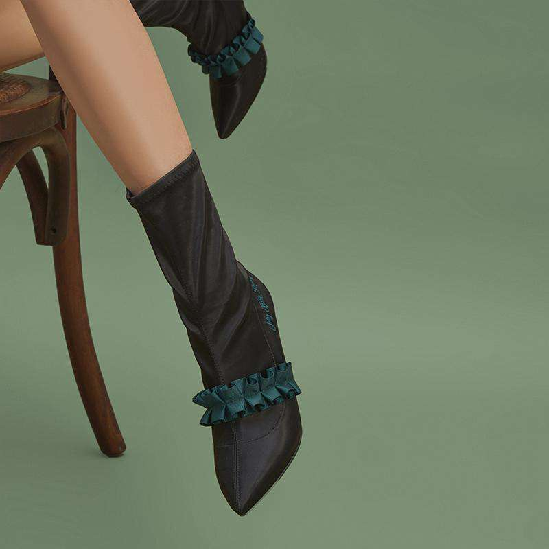 Ladies Romantic Satin Ruffle Boot 5348 Black - House of Avenues - Designer Shoes | 香港 | 女鞋 House of Avenues