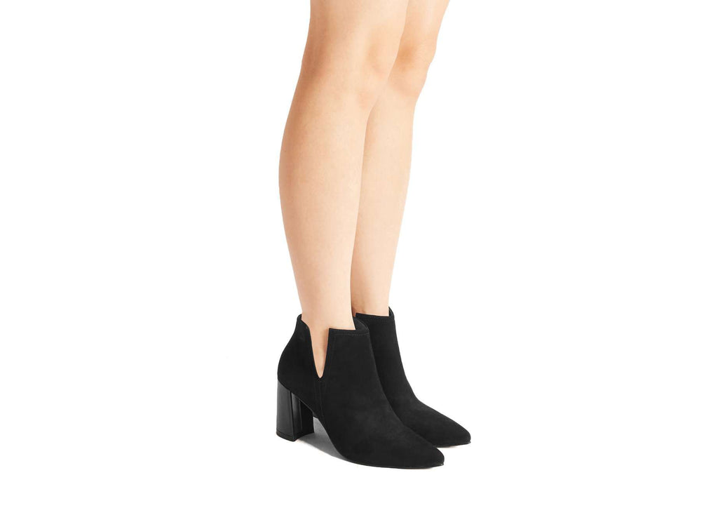 V-CUT BOOTIE 5431 (Black Suede) - House of Avenues - Designer Shoes | 香港 | 女鞋 House of Avenues