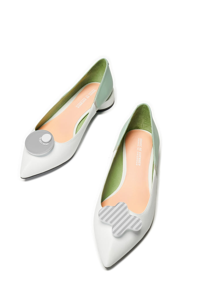 Everyone needs a fantasy Ladies' Color Block Flat Pumps 5450 White - House of Avenues - Designer Shoes Online