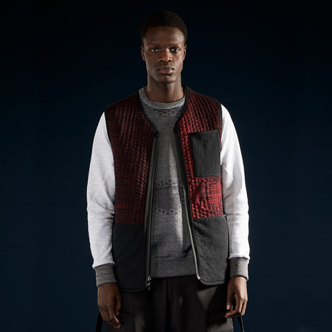 BYBORRE reversible vest aw19 the layered edition graphite deep red on body front