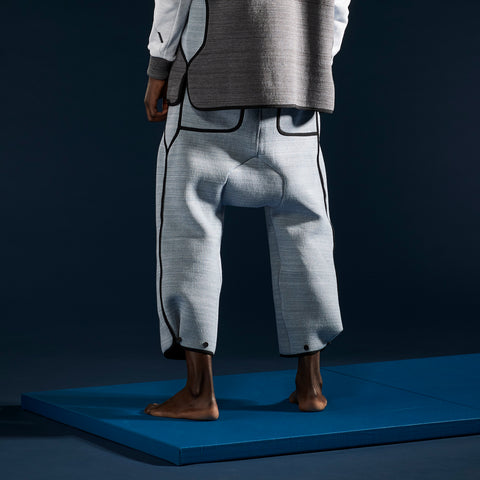 BYBORRE cropped pants aw19 the layered edition foggy blue on body back