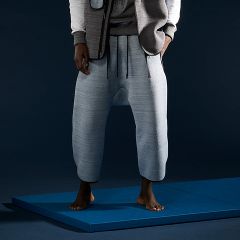 BYBORRE cropped pants aw19 the layered edition foggy blue on body front
