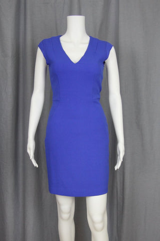 V-NECK FITTED DRESS