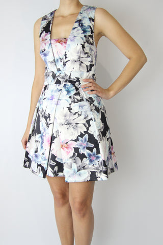 FLORAL DRESS WITH CUTOUT BACK