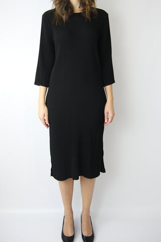 3/4 SLEEVE PLEATED MIDI DRESS