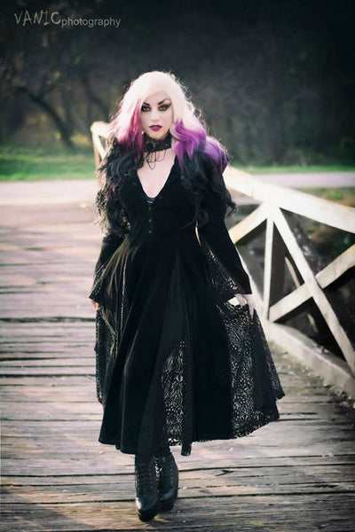 JW011 Black Long Sleeve Gothic Vampire Punk Scene Clothing velvet jacket gown