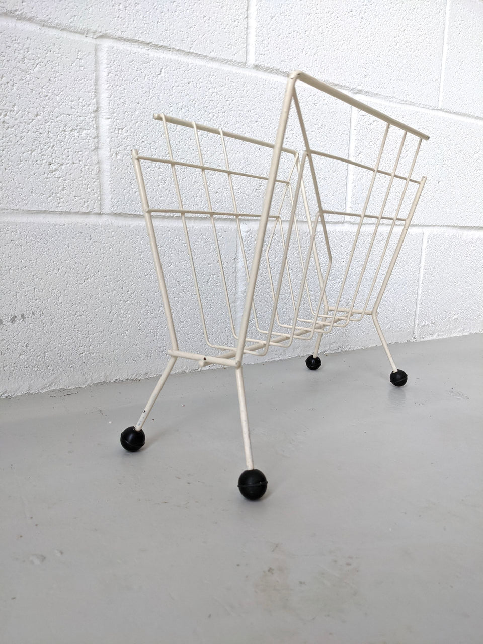Atomic Sputnik Wire Magazine Rack White Mid Century