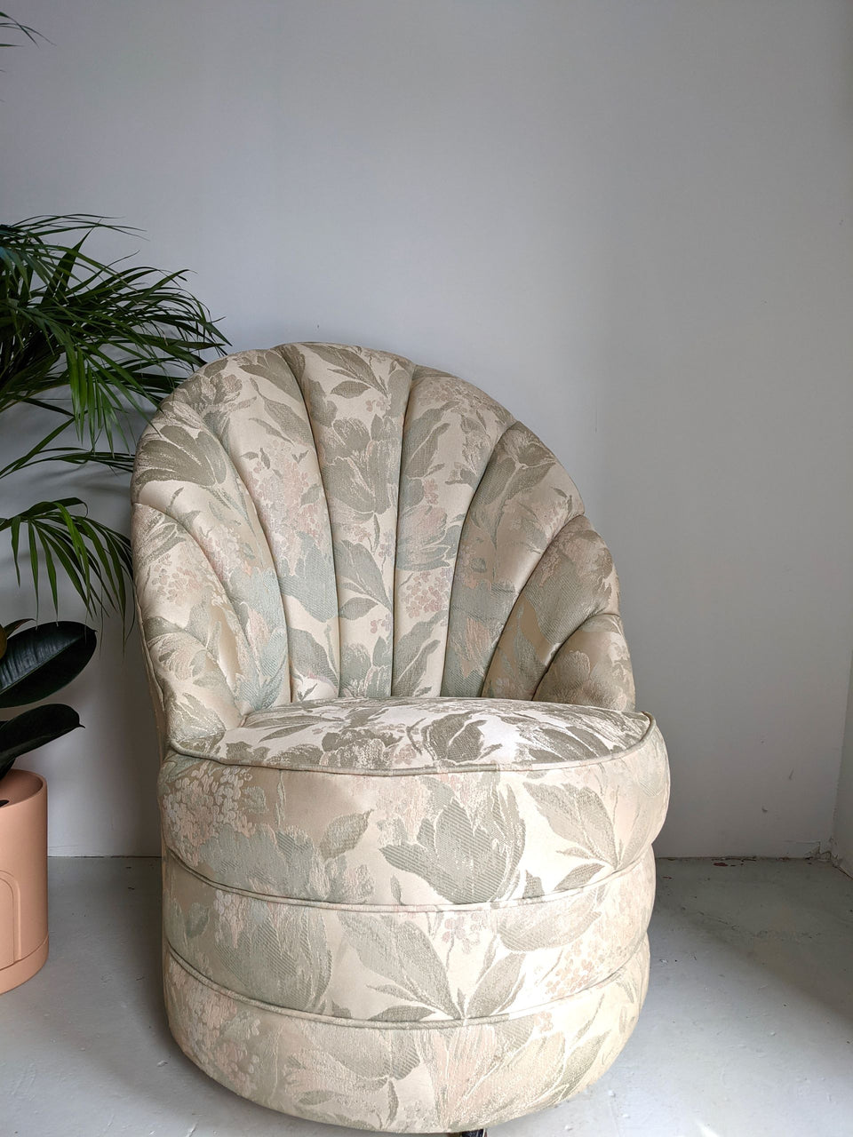 1980s Floral Silk Shell Bedroom Cocktail Chair