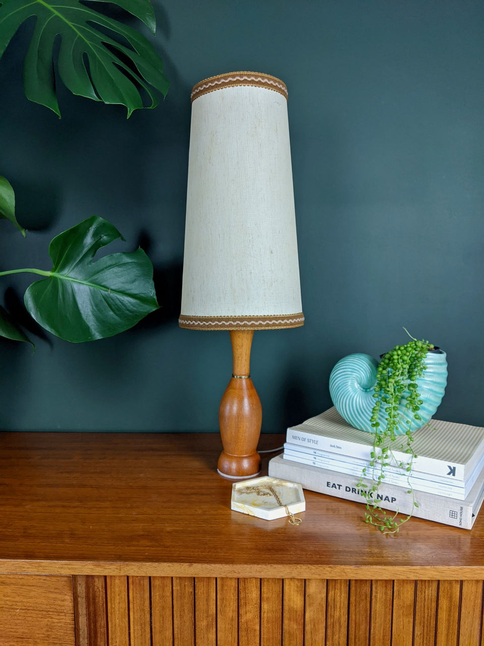 Mid Century Teak Lamp with Brass and Cream ShadeDetail