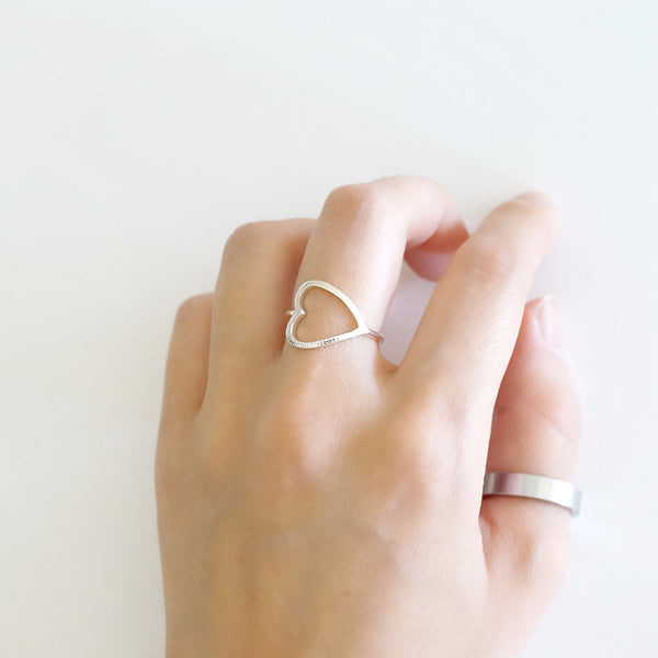 Hollow Heart Ring - TYPENU Co - 1