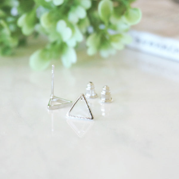 Minimal Triangle Stud Earrings - TYPENU Co - 4