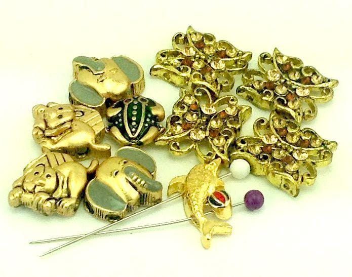 10-gold-frog-and-butterfly-2-hole-sliders--B165-I1