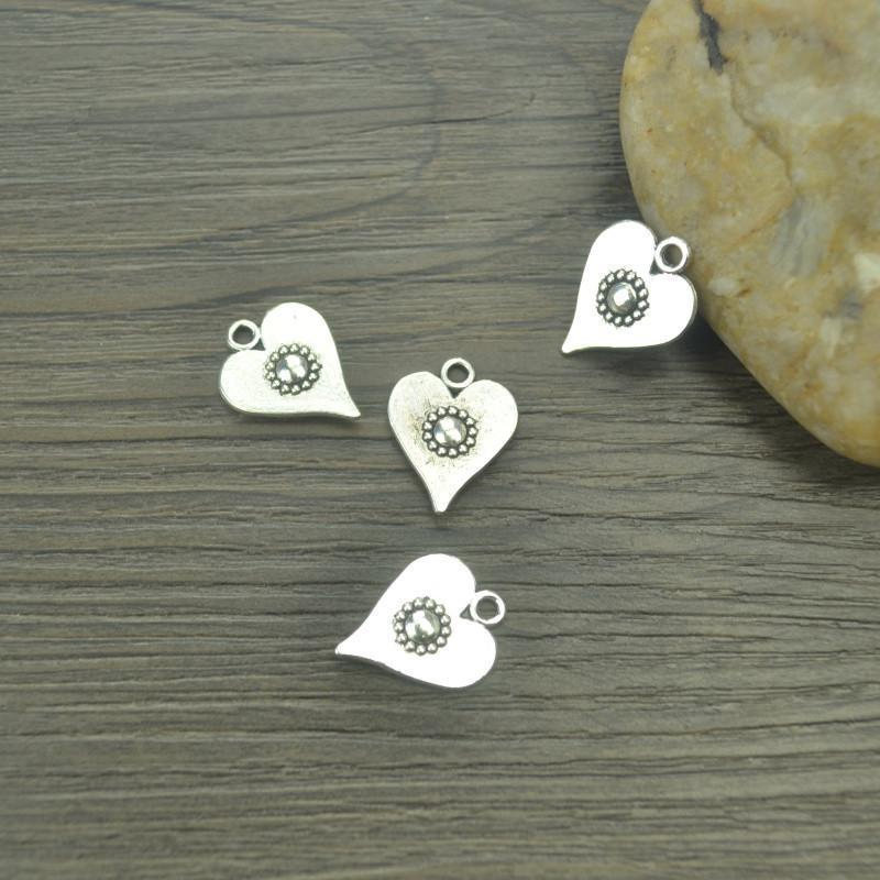 25 pcs/lot heart Antique silver Heart Charms
