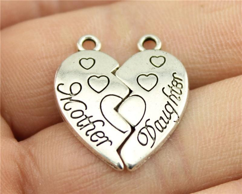 4Pairs  Mother And Daughter Heart Shaped Puzzle Pieces Charms