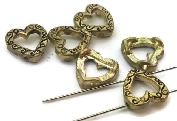 6_Small_Open_Heart_Gold_2_hole_beads_m52-f6
