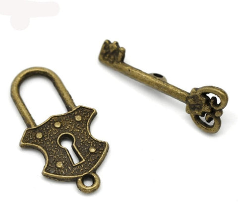 Antique_Bronze_Key_&_Lock_Toggle_Clasps_Findings_24x13mm,_23x8mm_30_sets