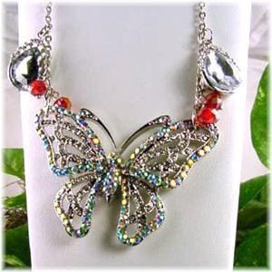Butterfly_Pendant_Necklace-idea