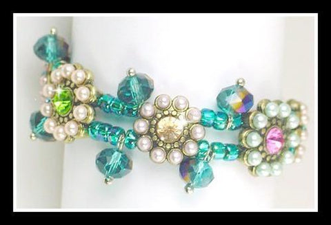 Dangling floral slider bead bracelet design-idea