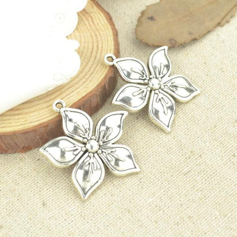 7 Pcs Antique Silver Tone  flower Charms