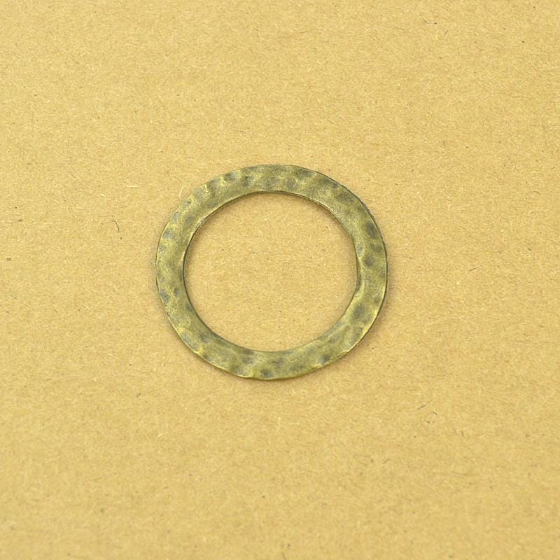 10 pcs Cast in Antique Gold with a Hammered like look 32*32mm
