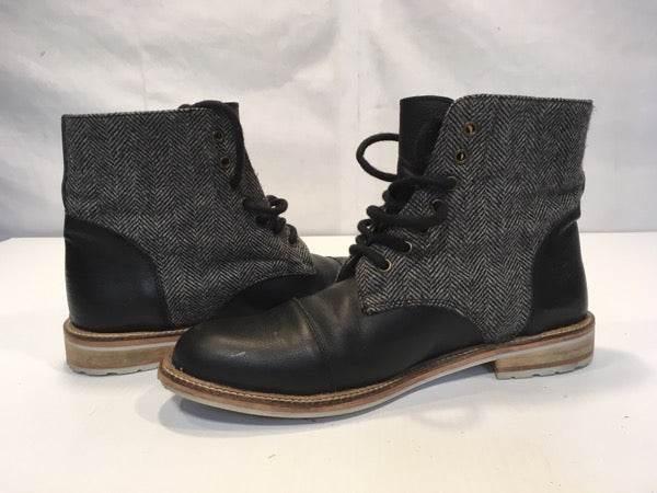 #240 boots mens US size 10 Asos black leather w grey contrast shoes Euro size 44 used