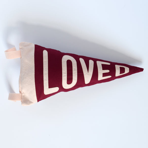 Mini pennant cushion LOVED - Connie Clementine
