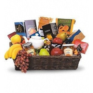 Grande Gourmet Fruit Basket - Flowers by Pouparina