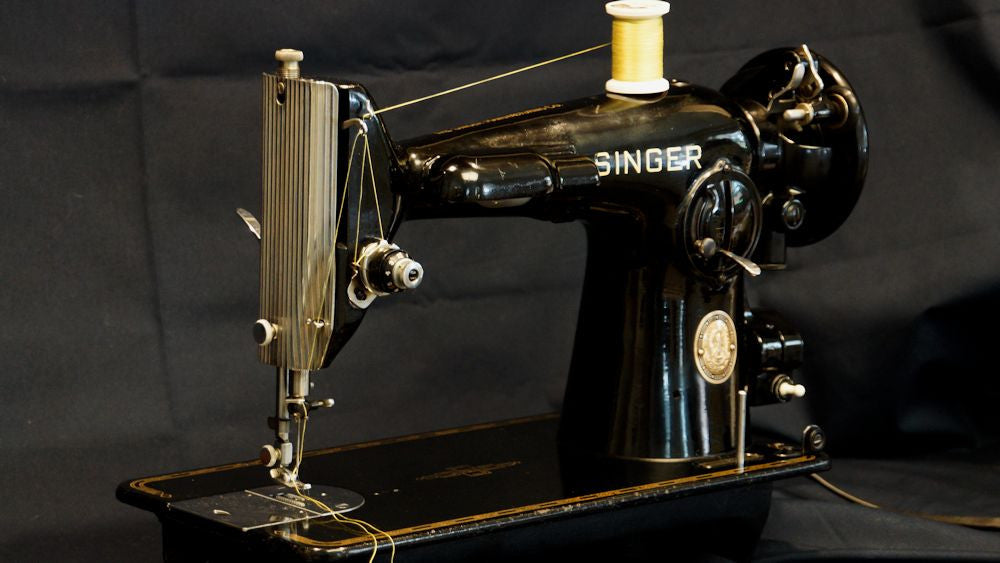 Vintage Sewing Machine Collecting - Just Jump Right In!