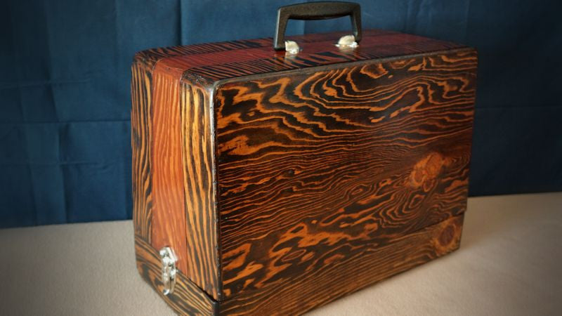 Case with exotic grain