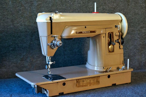 Singer 404 - Vintage Sewing Machine