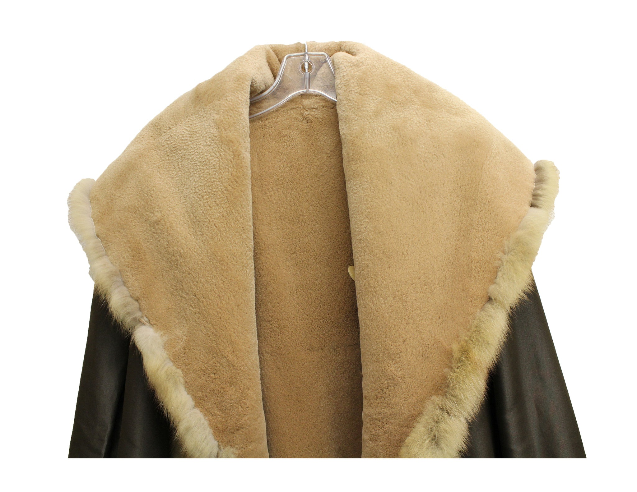 J. Mendel Sable and Beaver Fur Reversible Coat w/Hood (Size M) - Encore Consignment - 13