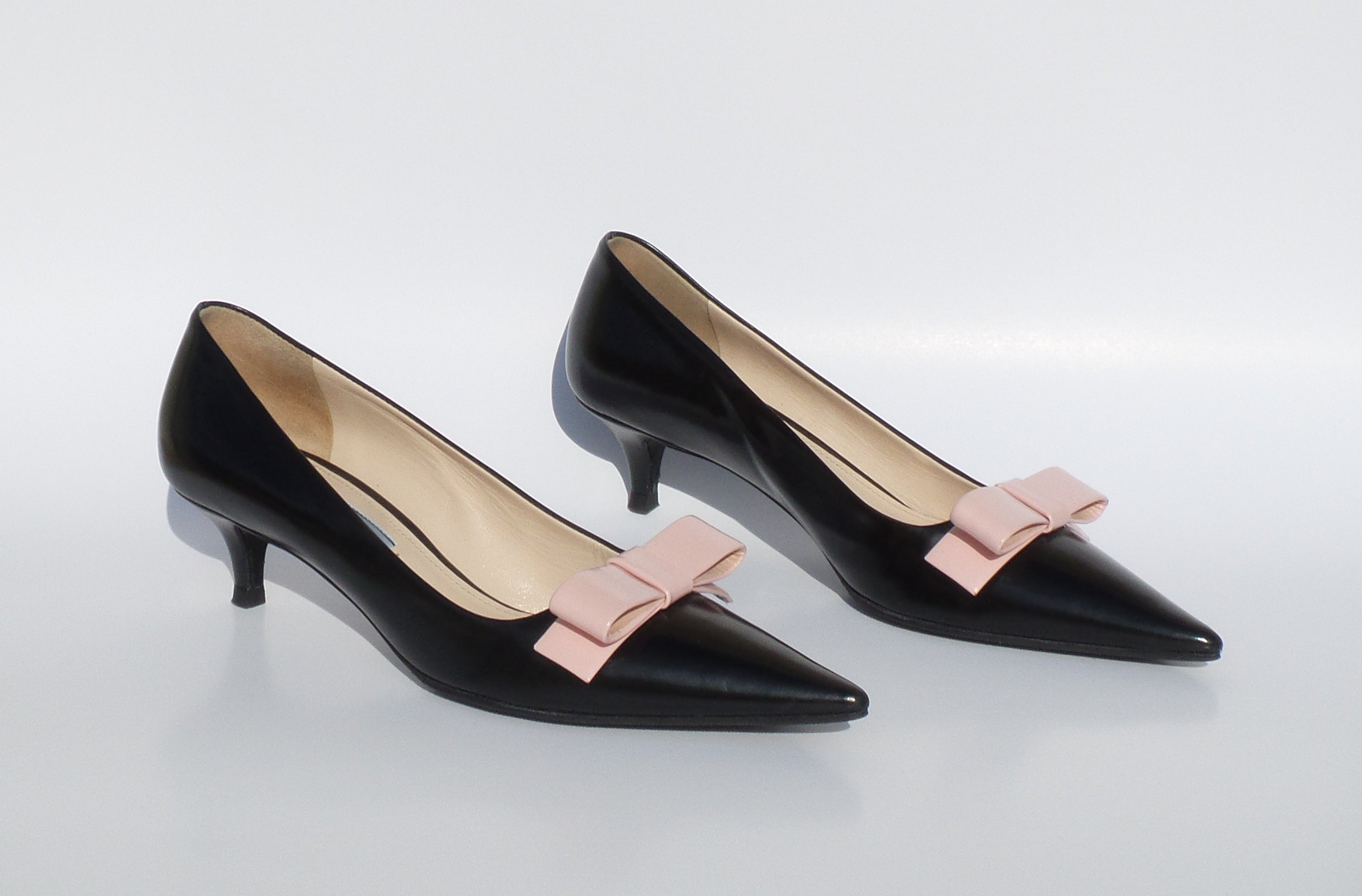 PRADA Black Polished Leather Rose Pink Bow Mid Kitten Heel Pumps 36