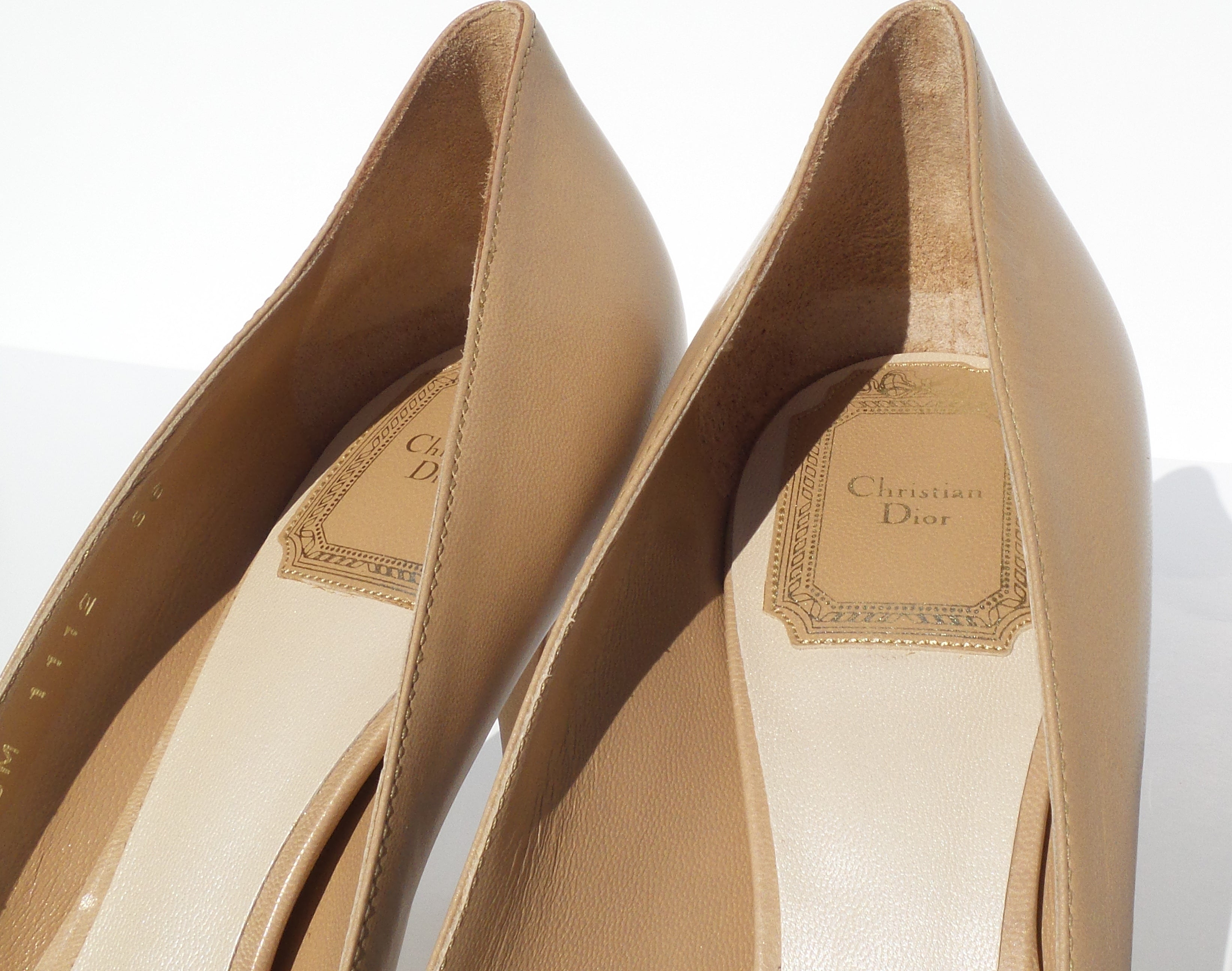 'Sold' CHRISTIAN DIOR Cherie 8cm Beige Tan Nude Leather Pointy Toe Classic Pumps 36 NWD