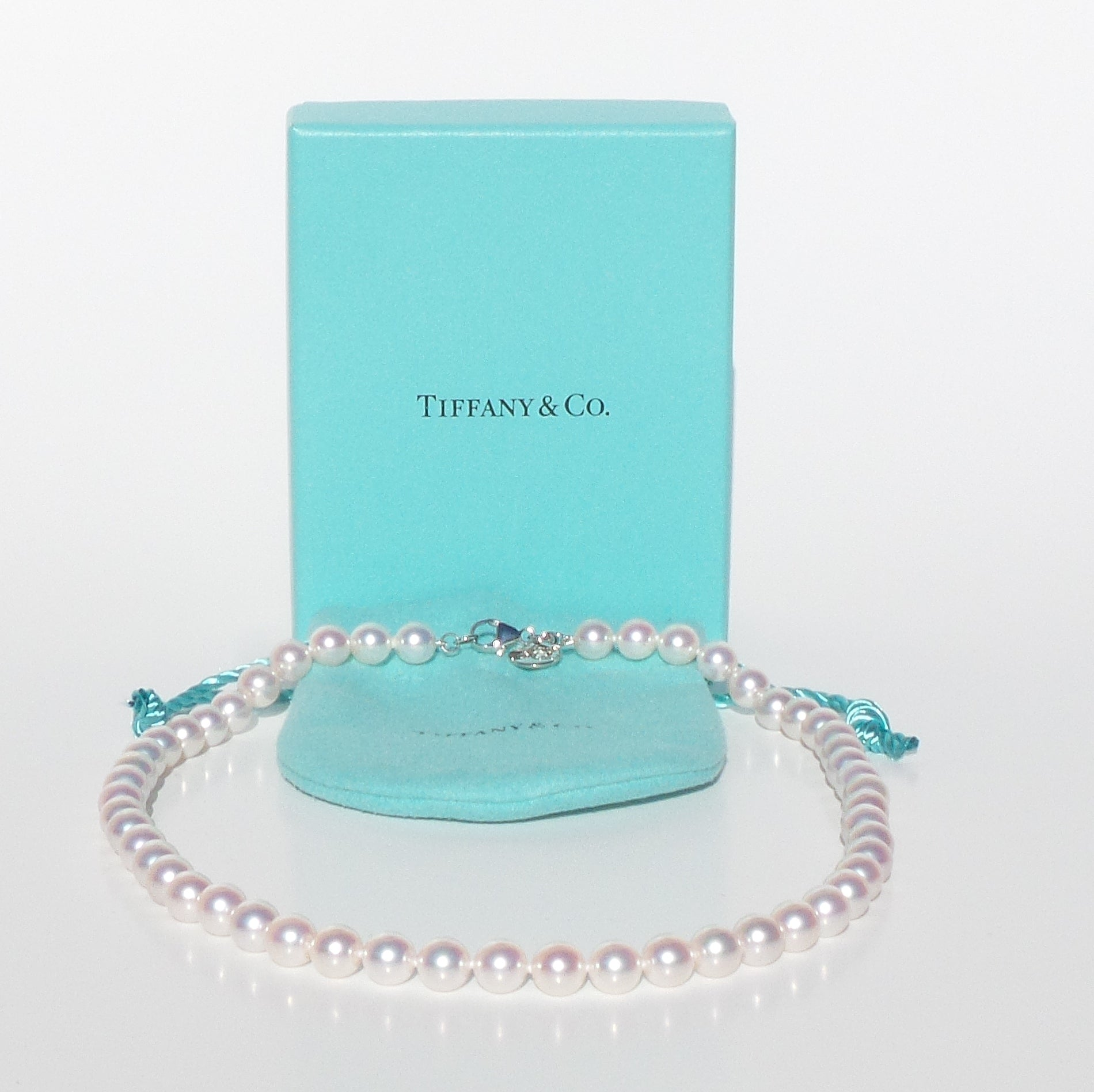 "TIFFANY & CO Akoya Cultured White Gold Clasp 16"" Essential Pearls Necklace $1750"