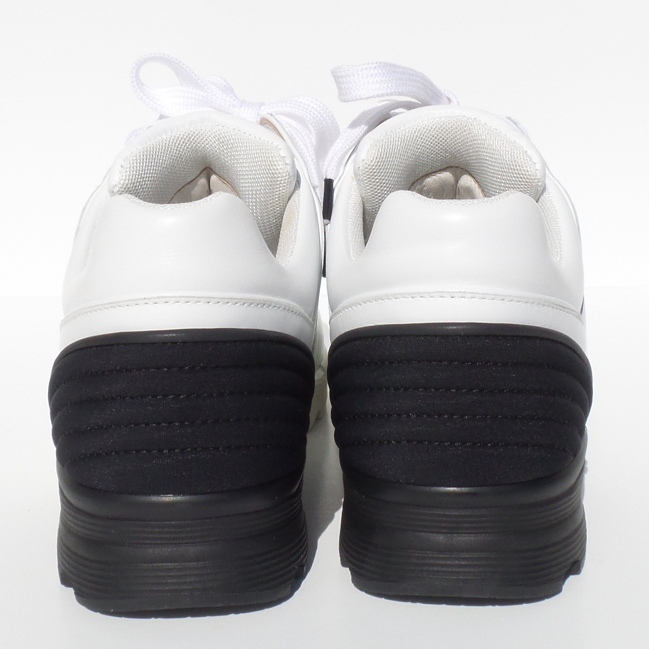CHANEL 16P White Leather Black Neoprene Heel CC Logo Trainers Sneakers 39.5 $950