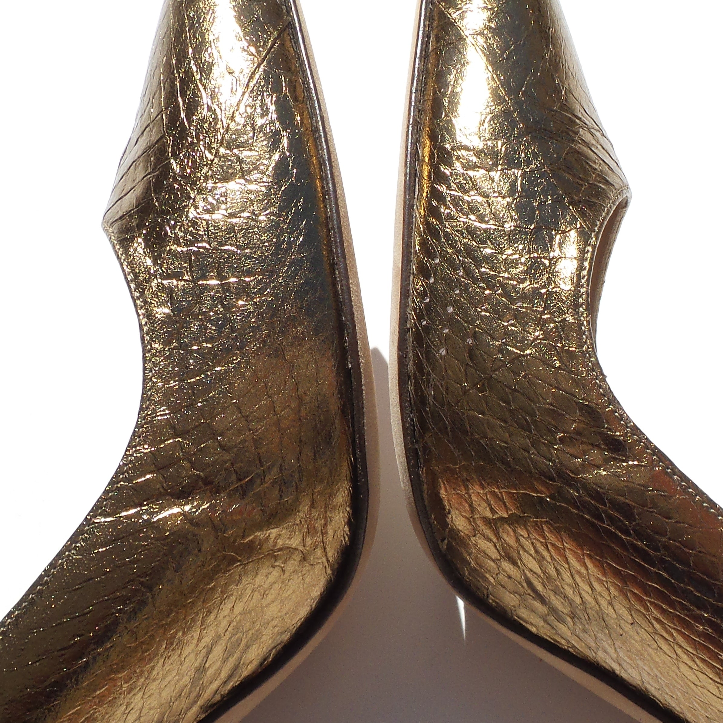 'Sold' MANOLO BLAHNIK Metallic Gold Bronze Snakeskin Point Toe Slingback Heels Pumps 40
