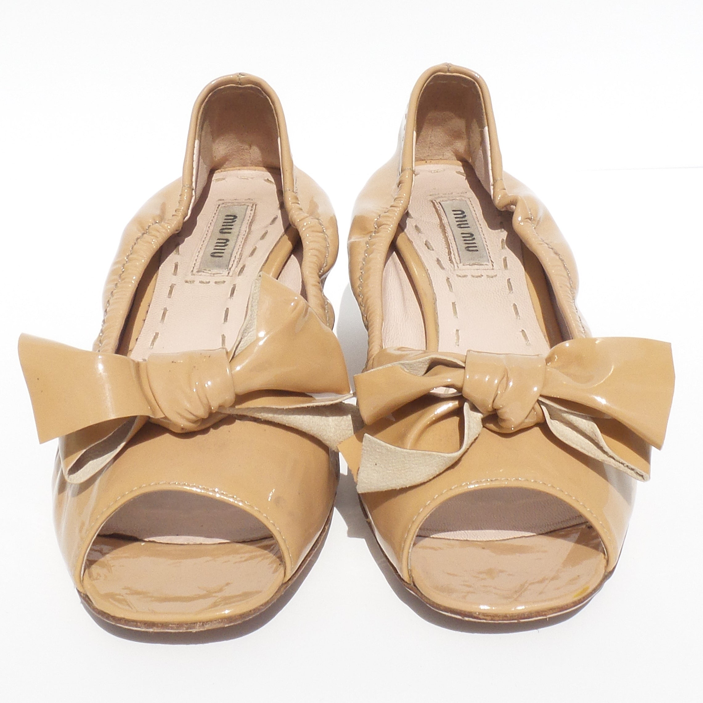 5d7955d6ba7 MIU MIU Beige Tan Nude Patent Leather Bow Open Toe Crystal Heel Scrunch  Pumps 37