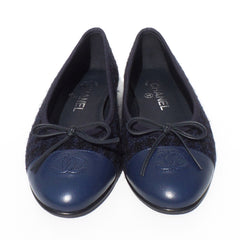 'Sold' CHANEL Navy Blue Black Houndstooth Tweed CC Leather Cap Toe Ballet Flats 37.5 GC