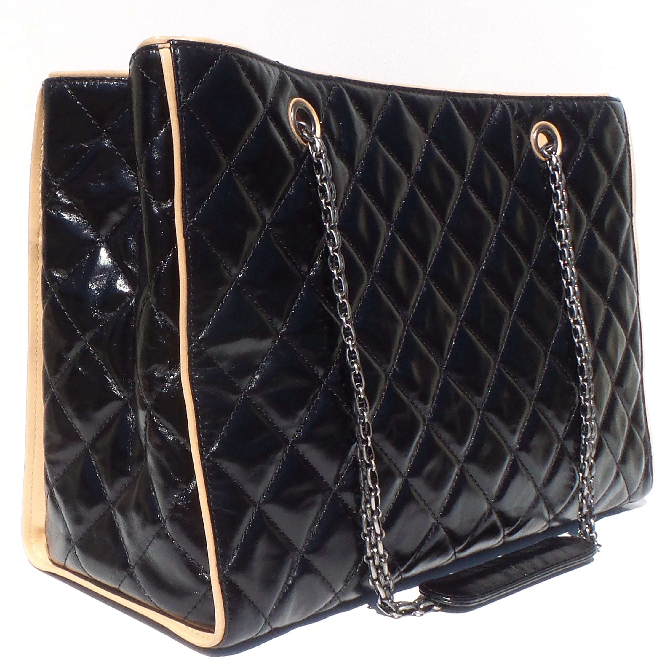 CHANEL Black Glazed Quilted Leather Beige 2.55 Reissue Grand Shopping Tote Bag